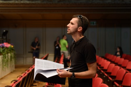 Gediminas during the rehearsals of Mountains. Waters. (Freedom) with Baltic Sea Philharmonic at Zurich Tonhalle (2015). (Photo: P. Adamik)
